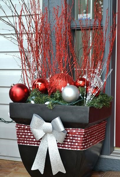 DIY Outdoor Christmas Decorations To Light Up Your Home
